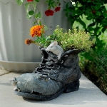 shoes-container-garden5-8.jpg