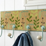 simple-clothes-hooks-decorating-ideas1-2