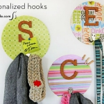 simple-clothes-hooks-decorating-ideas1-5