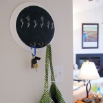 simple-clothes-hooks-decorating-ideas3-4