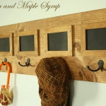 simple-clothes-hooks-decorating-ideas3-5
