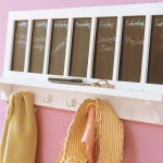 simple-clothes-hooks-decorating-ideas3-6