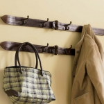 simple-clothes-hooks-decorating-ideas7-4
