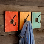 simple-clothes-hooks-decorating-ideas8-1