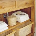 smart-storage-in-wicker-baskets-bathroom2.jpg