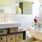 smart-storage-in-wicker-baskets-bathroom7.jpg