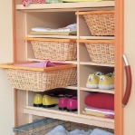 smart-storage-in-wicker-baskets-wardrobe1.jpg