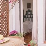 spanish-creme-pastel-home-tours3-3.jpg