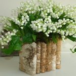 spring-decor-ideas-from-lily-of-the-valley-vases-style1-1