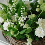 spring-decor-ideas-from-lily-of-the-valley-vases-style1-2