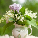 spring-decor-ideas-from-lily-of-the-valley-vases-style2-7