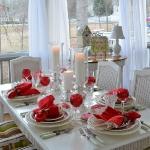 st-valentine-red-white-table-setting1-1.jpg