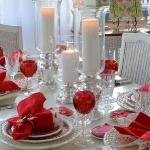 st-valentine-red-white-table-setting1-5.jpg