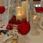 st-valentine-red-white-table-setting2-10.jpg
