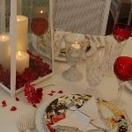 st-valentine-red-white-table-setting2-6.jpg