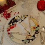 st-valentine-red-white-table-setting2-7.jpg