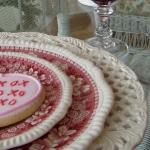 st-valentine-red-white-table-setting3-13.jpg