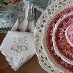 st-valentine-red-white-table-setting3-6.jpg