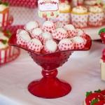 strawberry-season-table-setting1-4.jpg