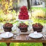 strawberry-season-table-setting-ideas15.jpg
