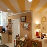 striped-ceiling-ideas-in-teenroom2.jpg