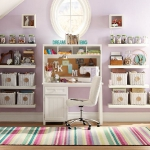 striped-rugs-in-kidsroom3.jpg
