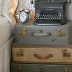 suitcase-and-trunk-as-bedside-table2-2.jpg