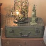 suitcase-and-trunk-as-bedside-table2-5.jpg