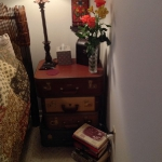suitcase-and-trunk-as-bedside-table2-9.jpg