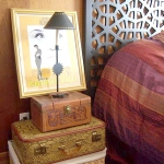 suitcase-and-trunk-as-bedside-table3-3.jpg