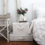 suitcase-and-trunk-as-bedside-table5-2.jpg