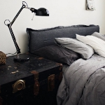 suitcase-and-trunk-as-bedside-table5-5.jpg
