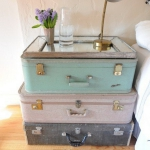 suitcase-and-trunk-as-bedside-table6-1.jpg