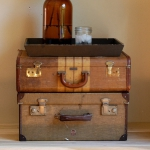 suitcase-and-trunk-as-bedside-table6-2.jpg
