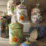 summer-collections-by-mackenzie-childs2-flower-market6.jpg