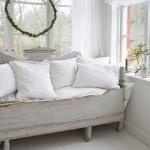 swedish-shabby-chic-furniture2.jpg