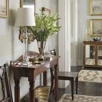 table-lamps-interior-ideas-in-hallway12.jpg