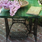 tables-ideas-of-repurpose-old-treadle-sewing-machine2-2.jpg