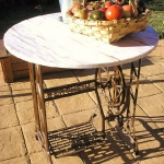 tables-ideas-of-repurpose-old-treadle-sewing-machine2-3.jpg