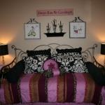teen-room-in-love-paris6.jpg