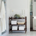 towels-storage-ideas-in-large-bathroom1-2.jpg