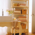 towels-storage-ideas-in-large-bathroom1-4.jpg