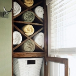towels-storage-ideas-in-large-bathroom2-2.jpg
