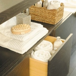 towels-storage-ideas-in-large-bathroom3-1.jpg