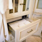 towels-storage-ideas-in-large-bathroom3-6.jpg