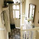 traditional-decor-for-foyer-floor5.jpg