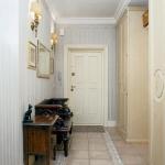 traditional-decor-for-foyer-floor8.jpg