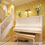 traditional-decor-for-foyer-furniture12.jpg