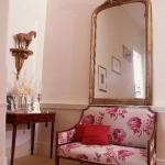 traditional-decor-for-foyer-mirror1.jpg