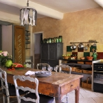 french-diningrooms-in-traditional-kitchens3.jpg